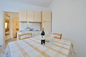 Villa Jurac, Apartmány  Povljana - big - 78