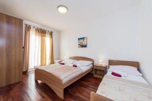 Villa Jurac, Apartmány  Povljana - big - 98