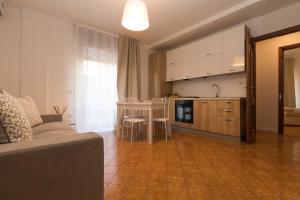 Salerno e le due coste, Apartments  Salerno - big - 17