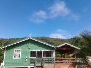 Seawind Cottage- Traditional St.Lucian Style, Дома для отпуска  Гроз-Иле - big - 1