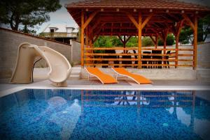 Villa G Premium, Vily  Lustica - big - 8