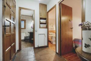La Ginesta, Apartmanok  Taull - big - 29
