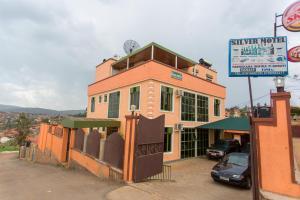 Silver Motel
