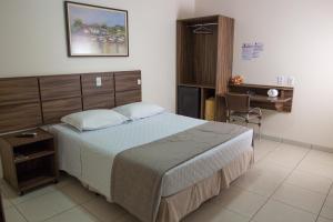 Hotel Valencia, Hotely  Dourados - big - 13