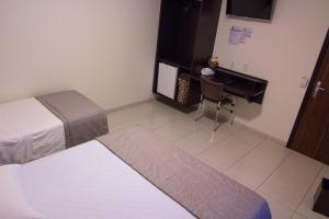 Hotel Valencia, Hotely  Dourados - big - 16
