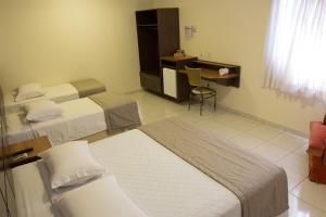 Hotel Valencia, Hotely  Dourados - big - 2