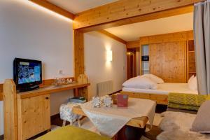 Am Dorfplatz B&B - Adults only, Hotely  Sankt Anton am Arlberg - big - 127