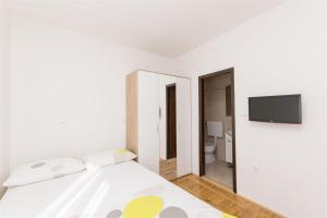 Apartments Marija, Apartments  Vodice - big - 21