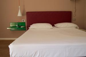 B&B Via Diaz, Bed and breakfasts  Bergamo - big - 16