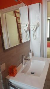 MID TUSCANY - VIA DELLE FONTI 89-91, Apartments  Tavarnelle in Val di Pesa - big - 6