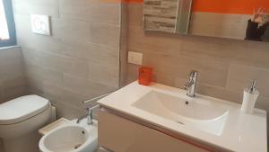 MID TUSCANY - VIA DELLE FONTI 89-91, Apartments  Tavarnelle in Val di Pesa - big - 14