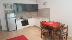 MID TUSCANY - VIA DELLE FONTI 89-91, Apartments  Tavarnelle in Val di Pesa - big - 1