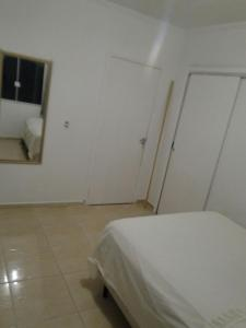 CASA em (PERQUE) PORTO BELO-SC, Holiday homes  Porto Belo - big - 4