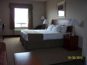 Suite with King Bed and Queen Bed - Non-Smoking
