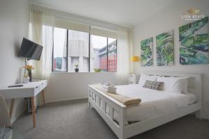 Sky Tower Stunner Apartment, Apartments  Auckland - big - 16