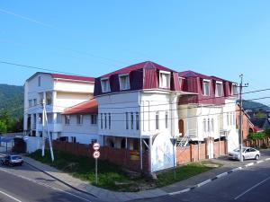 Guest House on Krasnykh Partizan 19A