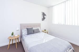 Sleek Sydney Residence - Close to CBD + Beaches - Sydney