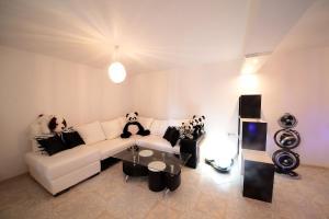 Sintria Court Premium, Art-Maisonettes & Panoramic Roof, Ferienwohnungen  Balchik - big - 50