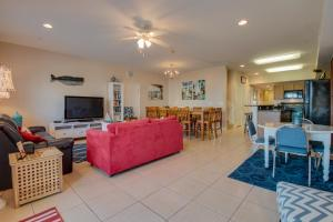 Coconut Grove 202 2nd Row Condo, Apartmány  Myrtle Beach - big - 10