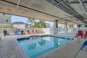 Coconut Grove 202 2nd Row Condo, Apartmány  Myrtle Beach - big - 11
