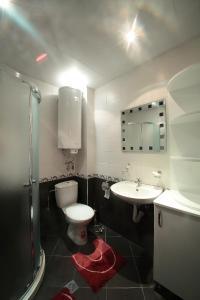 Sintria Court Premium, Art-Maisonettes & Panoramic Roof, Ferienwohnungen  Balchik - big - 53