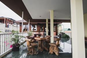 Feung Nakorn Balcony Rooms and Cafe, Hotels  Bangkok - big - 74