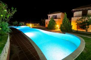 Seafront Pool Villa, Panoramic View, Case vacanze  Afitos - big - 3