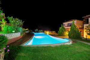 Seafront Pool Villa, Panoramic View, Case vacanze  Afitos - big - 5