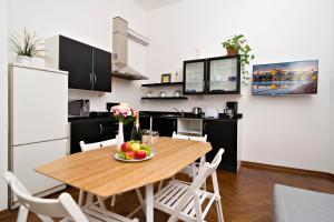 Apartments next to Old Town Square by RENTeGO, Ferienwohnungen  Prag - big - 5