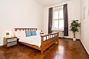 Apartments next to Old Town Square by RENTeGO, Ferienwohnungen  Prag - big - 4