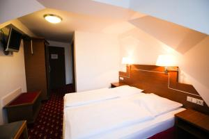 Hotel-Gasthof Obermeier, Hotels  Allershausen - big - 14