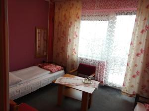 Hotel Pod Trzema Różami, Hotely  Sanok - big - 2