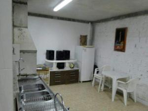 CASA em (PERQUE) PORTO BELO-SC, Holiday homes  Porto Belo - big - 10