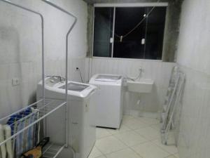 CASA em (PERQUE) PORTO BELO-SC, Holiday homes  Porto Belo - big - 8