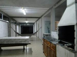 CASA em (PERQUE) PORTO BELO-SC, Holiday homes  Porto Belo - big - 6