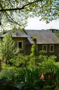 La Villa du Lac, Hotels  Chambon-sur-Lac - big - 10