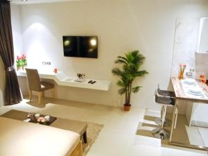 Emerald: Studio in Patong, Apartmány  Patong - big - 16