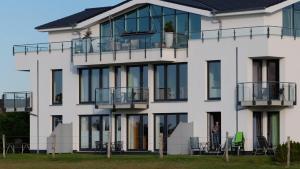 Villa Calm Sailing, Apartmanok  Börgerende-Rethwisch - big - 11