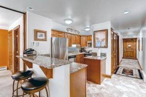 Elegant Vail 1 Bedroom yes - Lion Sq NORTH 290, Holiday homes  Vail - big - 7