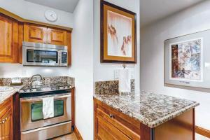 Elegant Vail 1 Bedroom yes - Lion Sq NORTH 290, Holiday homes  Vail - big - 11