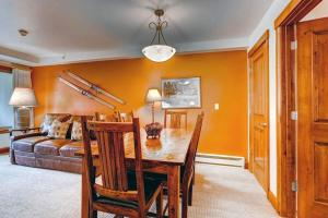 Elegant Vail 1 Bedroom yes - Lion Sq NORTH 290, Holiday homes  Vail - big - 2