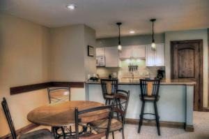 Cute Vail 1 Bedroom yes - Lion Sq SOUTH 366, Case vacanze  Vail - big - 9