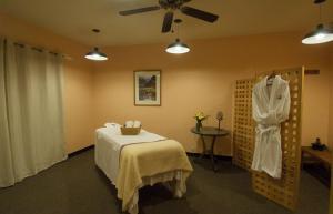 Invitingly Furnished 1 Bedroom - BCL203B, Отели  Telluride - big - 7