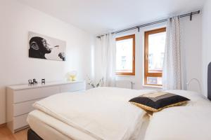 Cozy Apartments with Private Garage, Apartmány  Praha - big - 22