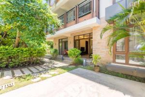 Xinyue Lijing Apartment, Apartments  Sanya - big - 13