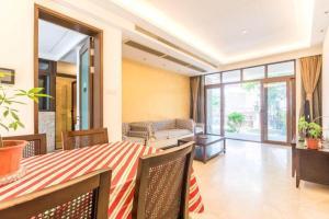 Xinyue Lijing Apartment, Apartments  Sanya - big - 18