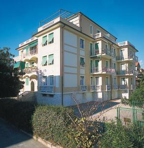 Ligure Residence, Apartments  Borgio Verezzi - big - 1