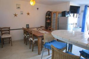 Holiday home Via delle Ginestre, Holiday homes  Torre Dei Corsari - big - 8