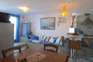 Holiday home Via delle Ginestre, Holiday homes  Torre Dei Corsari - big - 22