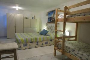Holiday home Via delle Ginestre, Holiday homes  Torre Dei Corsari - big - 23